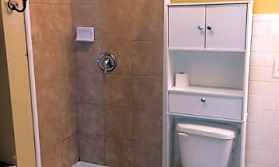 Bathroom, 808 W 3rd St, 1