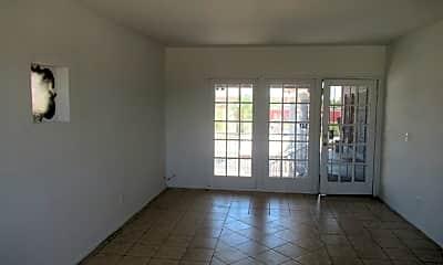 Living Room, 537 E Jacinto St, 1