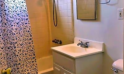 Bathroom, 2815 W Clark Ave, 2