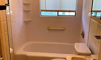 Bathroom, 4432 Arcadia St, 2