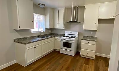 Kitchen, 1834 W Greenleaf Ave D, 1