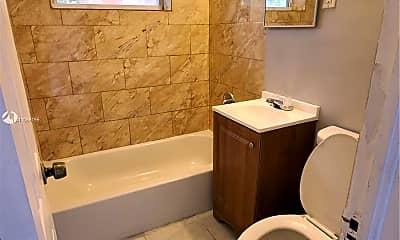 Bathroom, 1437 N Andrews Ave REAR, 2