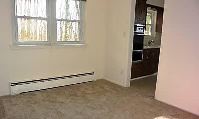 Bedroom, 590 Carpenter Pl 2, 1