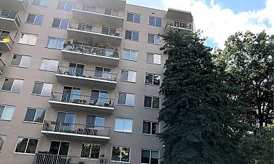 Carlton Condominium, 2