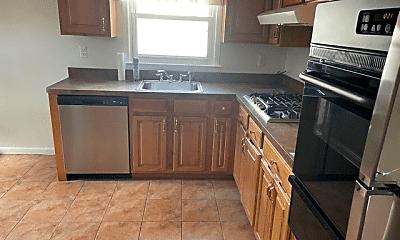 Kitchen, 1020 Stoneybrook Ave, 1