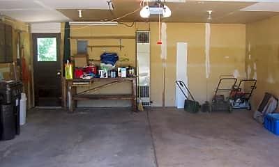 Building, 385 Seminole Dr, 2