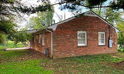 Building, 701 Marengo Drive, 2