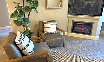 Living Room, 20174 Reed Ln, 0