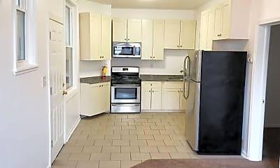 Kitchen, 3306 W North Ave 1R, 1