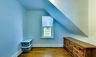 Bedroom, 4738 n Lavergne ave, 2