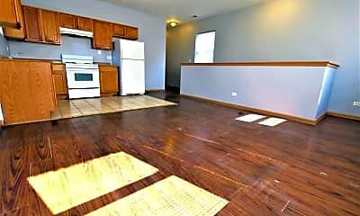 Living Room, 6333 S Normal Blvd 3, 1