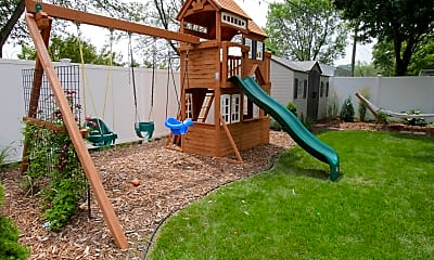 Playground, 862 11 1/2 St SW, 2