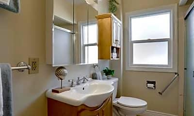 Bathroom, 360 Pershing Dr, 2