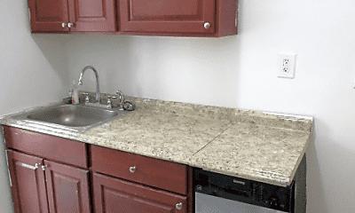 Kitchen, 92 Sterling Pl, 2