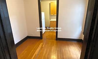 Living Room, 3655 N Racine Ave, 1