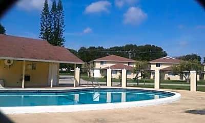 Pool, 810 Tiffany Dr W, 2