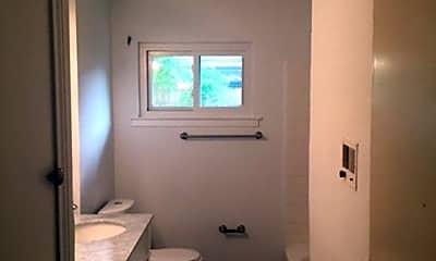 Bathroom, 207 Tuna, 1