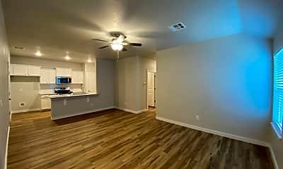 Living Room, 1316 E Cavanaugh St, 1