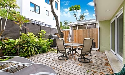 Patio / Deck, 319 Walnut St, 2