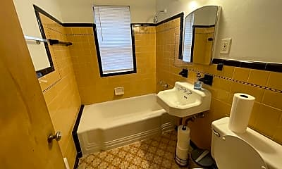 Bathroom, 642 Snelling Ave S, 2