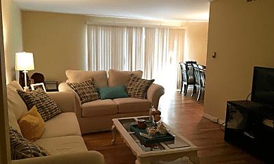 Living Room, 426 N Fox Hills Dr, 0