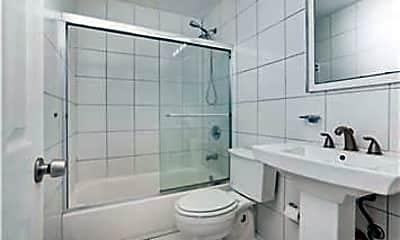 Bathroom, 1470 N Dixie Hwy 35, 2