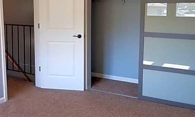 Bedroom, 215 Foster St, 2