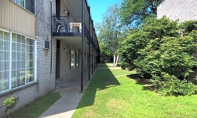 Pierre Apartments, 0