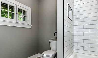 Bathroom, 101 N Belmont Pl, 2