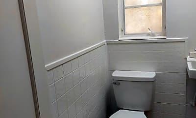 Bathroom, 712 7th St N, 2