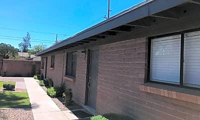 Building, 1002 E Lester St, 1