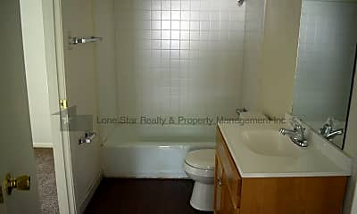Bathroom, 911 S 13th St, 2