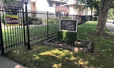 Silk Oak Apartments, 1
