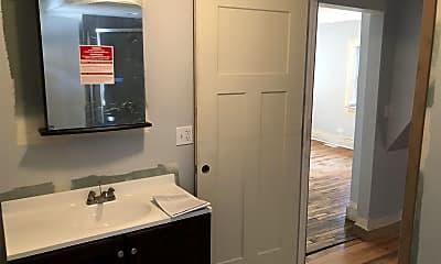 Bathroom, 1516 W 18th Pl, 1