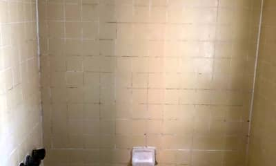 Bathroom, 1814 Pine St, 2