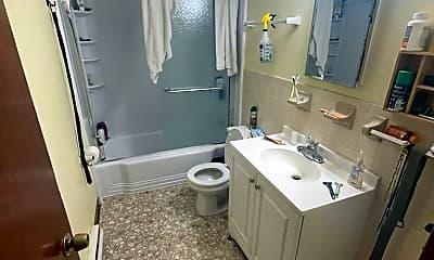 Bathroom, 7 Wilcox Ln, 2