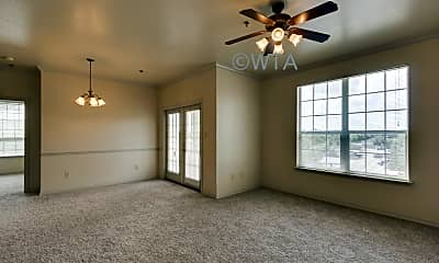 250 South Stagecoach Trail, 1