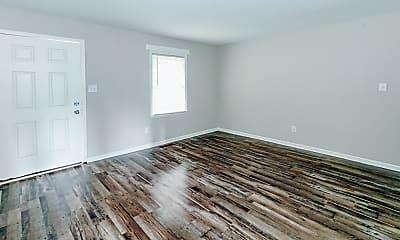 Living Room, 670 Paul St, 2