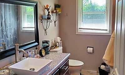 Bathroom, 2143 Packerland Dr, 2