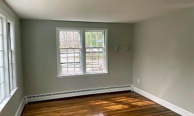 Living Room, 223 Pond St, 2