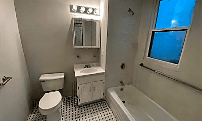 Bathroom, 39 Forest St, 2