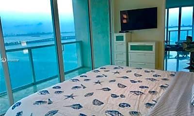 Living Room, 665 NE 25th St, 2