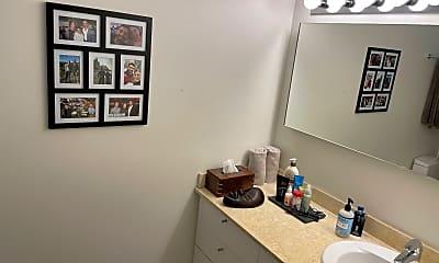 Bathroom, 510 W Erie St, 2