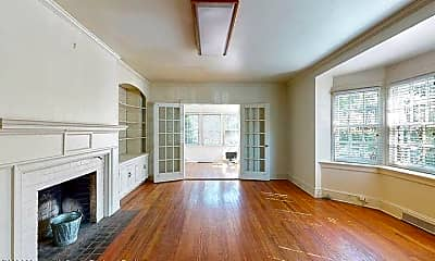 Living Room, 850 Hamilton Ave, 2