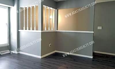 Building, 609 E Brier Dr, 1