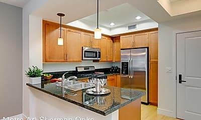 Kitchen, 14140 Moorpark St, 2