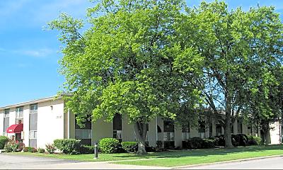 Building, 220 E Hillcrest Dr, 1