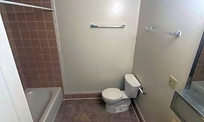 Bathroom, 631 W 30th St, 2