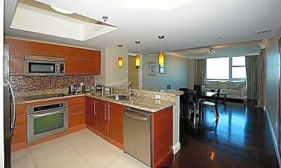 Building, 2641 N Flamingo Rd 2103N, 1