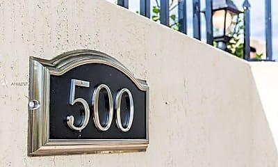 Community Signage, 500 SW 9th Ave 1, 2